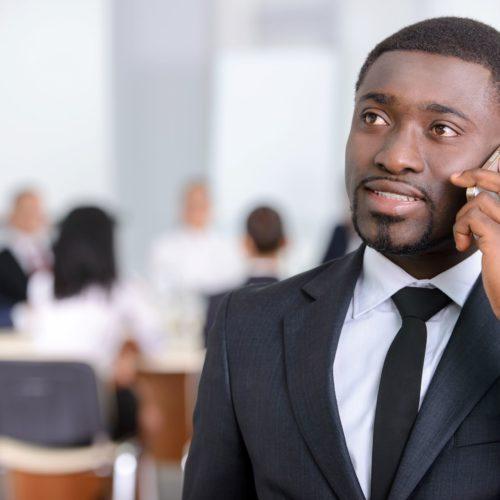 Veja dicas para prospectar pelo telefone
