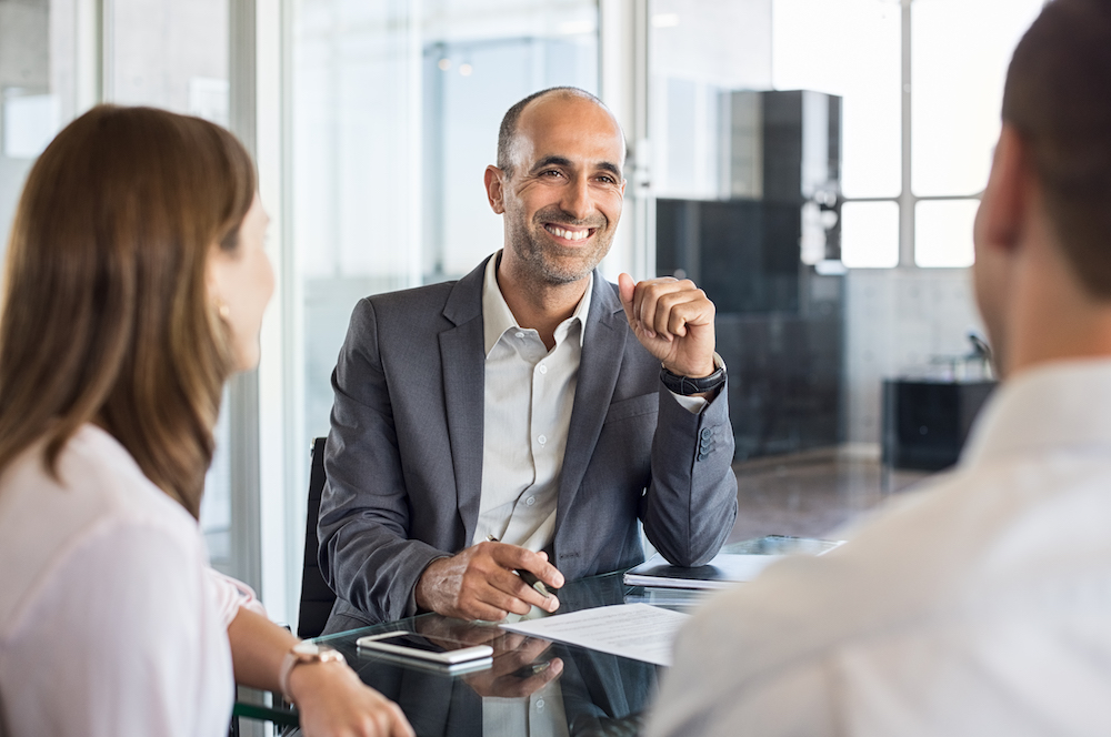 Veja como melhorar a abordagem em vendas